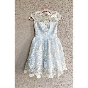 CHI CHI LONDON PETITE NWT Scallop Lace Party Dress